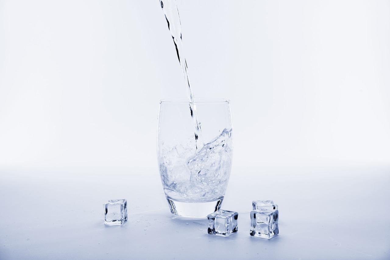 kebutuhan air putih