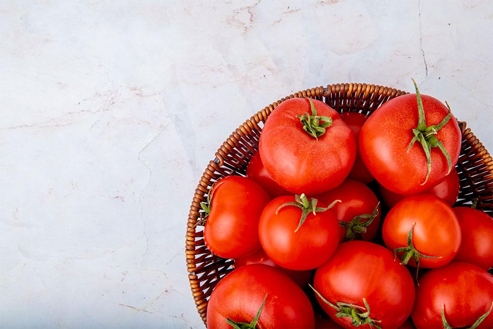 Tomat-untuk-menghilangkan-jerawat